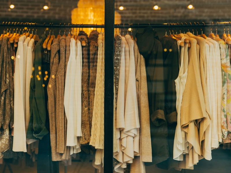Consejos-para-las-rebajas-blogger-compras-moda-fashion-influencer-palma-mallorca (4) Photo by Hannah Morgan on Unsplash